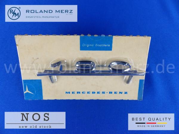 10 121 817 00 14 Typenkennzeichen innen an Schalttafel für Mercedes 190 / 190c original Neuteil NOS