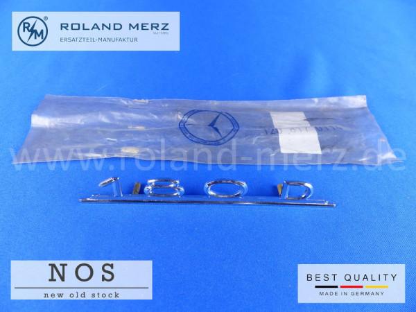 120 817 01 14 Typenkennzeichen innen an Schalttafel mitte für Mercedes 180D, original Neuteil NOS