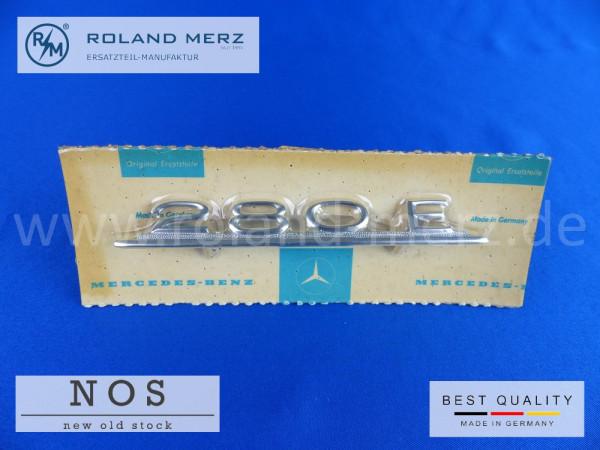 114 817 05 14 Typenkennzeichen innen an Armaturenbrett Mercedes 280 E, original Neuteil/NOS